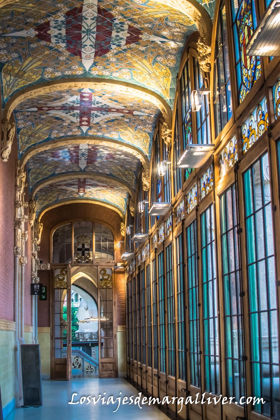 Preciosas vidrieras del Hospital de Sant Pau de Barcelona - Los viajes de Margalliver